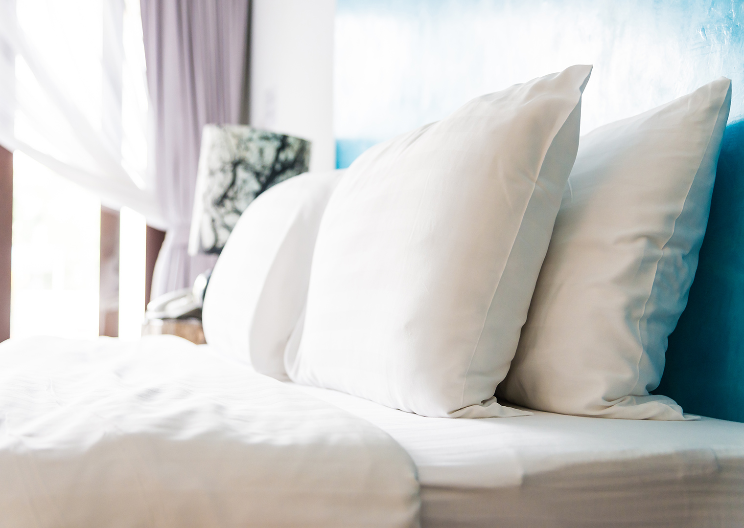 картинка кровать с подушками климат